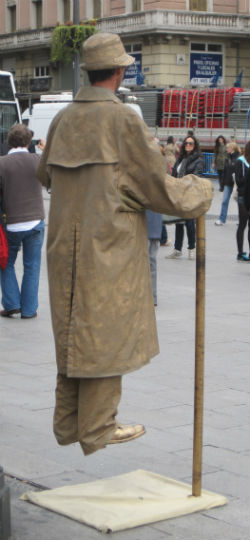 madrid street performer