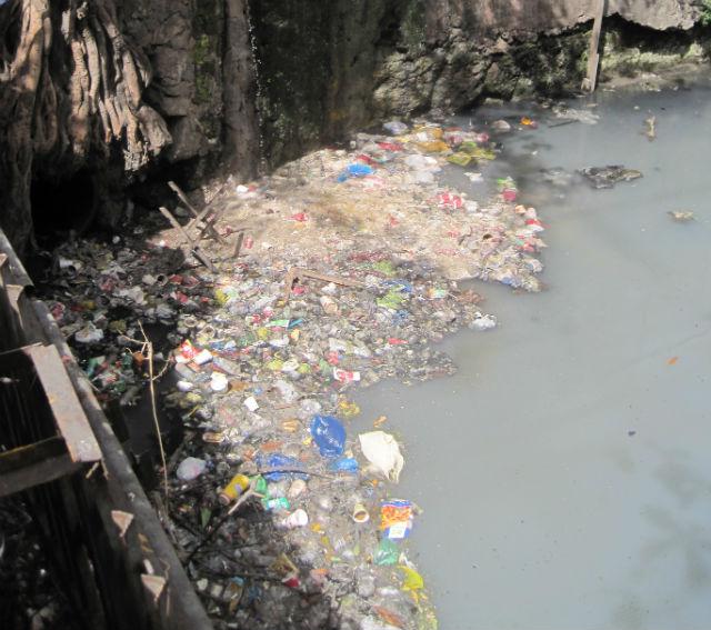 manila dirty river