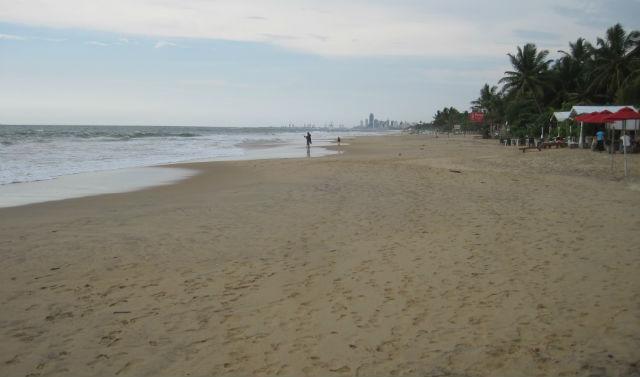 mt lavinia beach