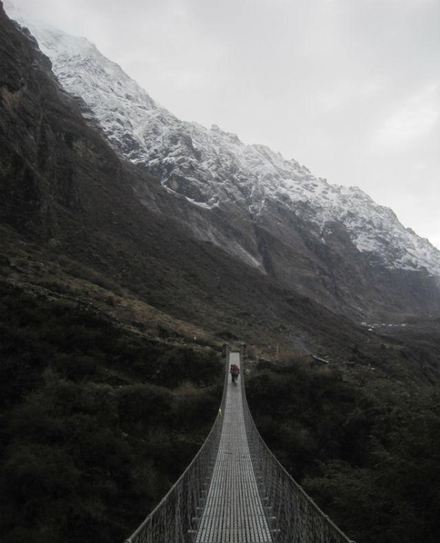 bridge to langtang